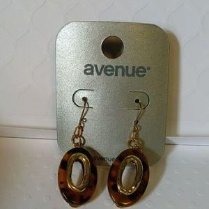 5/$25 NEW Avenue Tortoise Shell/Gold Earrings